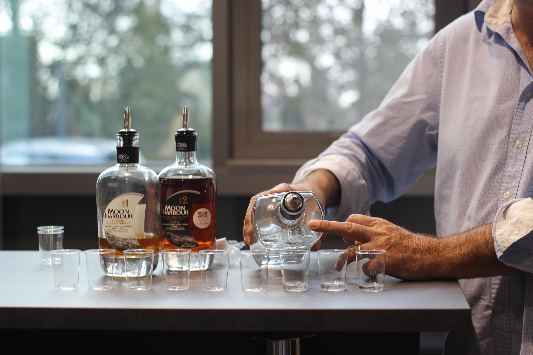 Visite de la distillerie de whisky bordelaise – Moon Harbour